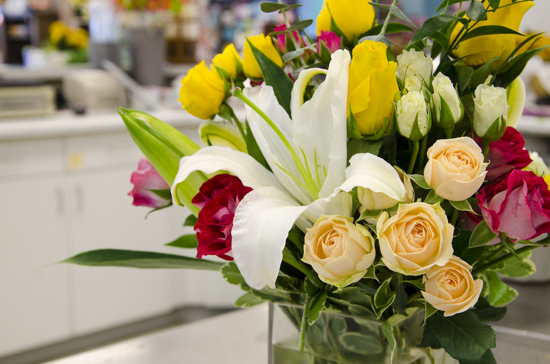 Floral arrangement care 101 stranges florists greenhouses and receiving fresh cut flowers is always a special occasion but just like any other perishable item flowers do have a shelf life fortunately there are steps izmirmasajfo